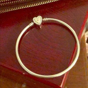 PANDORA Fam Forever Sterling Silver Heart Bangle